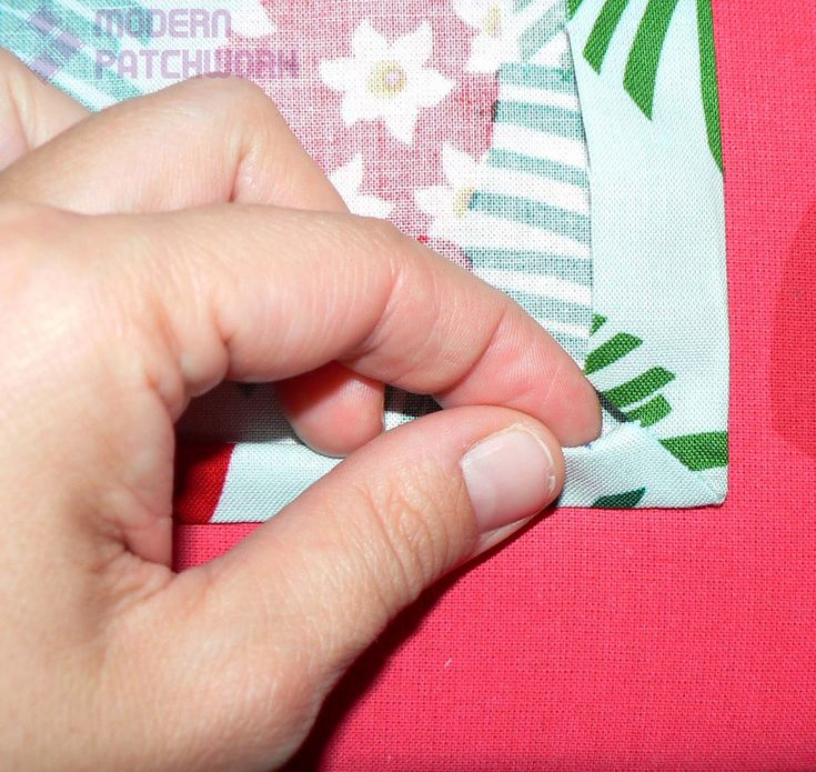 Comment coudre facilement et rapidement de jolis coins pour une nappe? - Tutos patchwork, créations couture, photos de quilts, trucs et astuces autour du patchwork