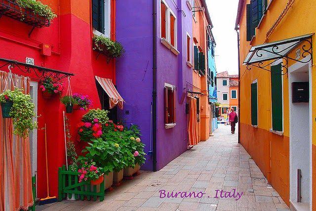 Burano, Little Italy, 7 km al norte de Venecia, Italia