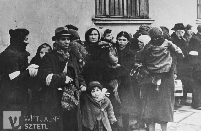 Jews from the Krakow ghetto are assembled for deportation