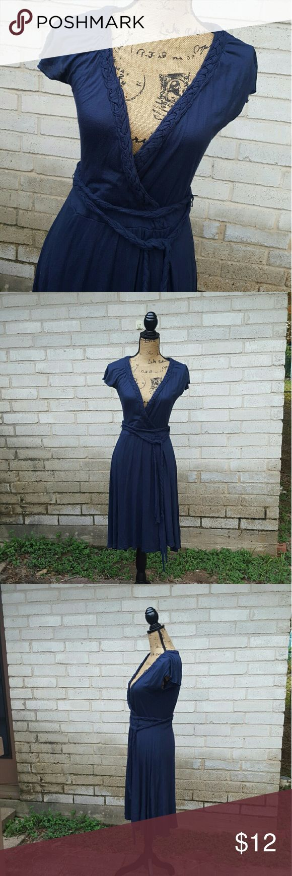 Casual Twenty One Navy Blue Tie Belted Dress Flowing soft knit fabric with braid…