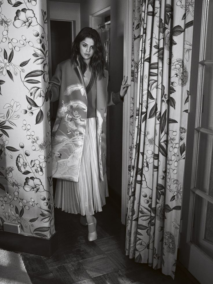 "selenagomez-fashionstyle: "" New photo for Vogue Australia (x) More here: SELENA GOMEZ """