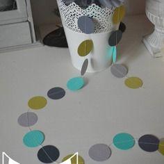 Guirlande pastilles rondes turquoide vert anis gris for Decoration mariage vert d eau