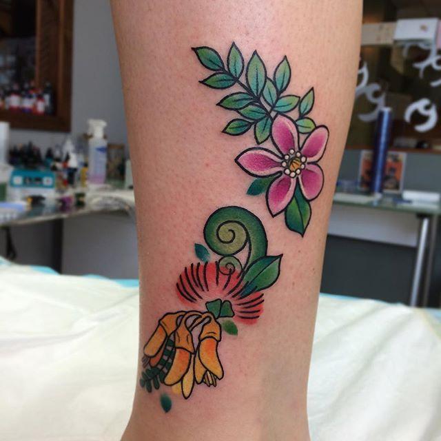 Little one done last week. #nz #nzmap #floral #floralnz #native #kowhai #pohutukawa #fern #botanical #botanicaltattoo #nztattoo
