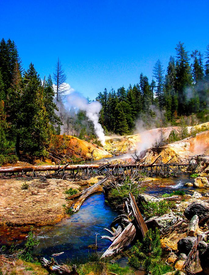 Must see if you visit!! #lassen #camping #loveithere Lassen Volcanic National Park Devil's Kitchen