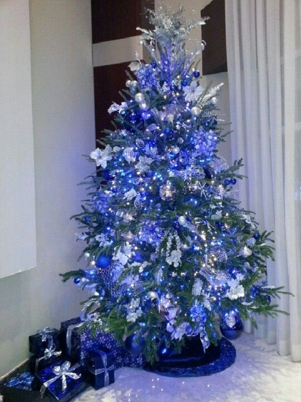 Top 10 Christmas Decoration Ideas Trends 2019 2020 Pouted Com Blue Christmas Tree Decorations Blue Christmas Tree Silver Christmas Tree