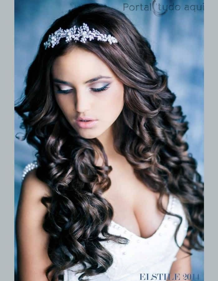 Noivas cabelo comprido - Solto ou preso dicas para o penteado de acordo com o seu tipo de rosto |Portal Tudo Aqui