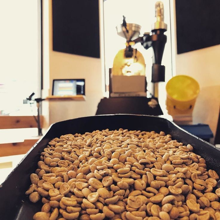 Last roasting session before Christmas. Happy holidays everyone! - Well be closed on 25th and 26th 31st and 1st. -  #fz94 #coffeetech