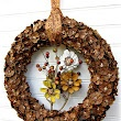 Fall {Pine Cone Flower} Wreath Tutorial  http://todaysfabulousfinds.blogspot.com/2012/09/fall-pine-cone-flower-wreath-tutorial.html#