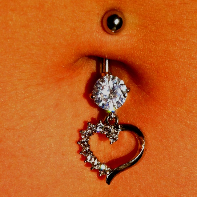 I love this if i ever get my belly button pierced i want this one