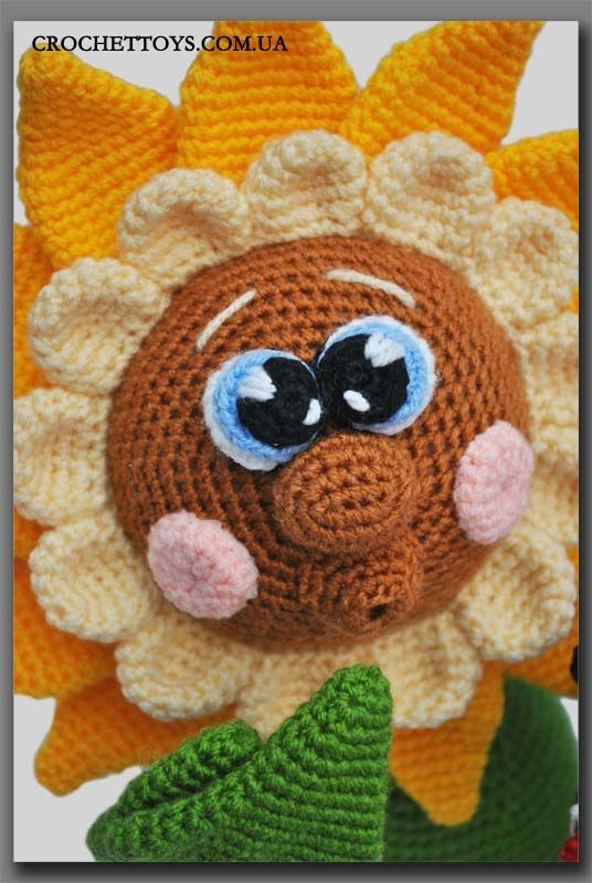 crochet sunflower ~ Adorable, love these eyes!