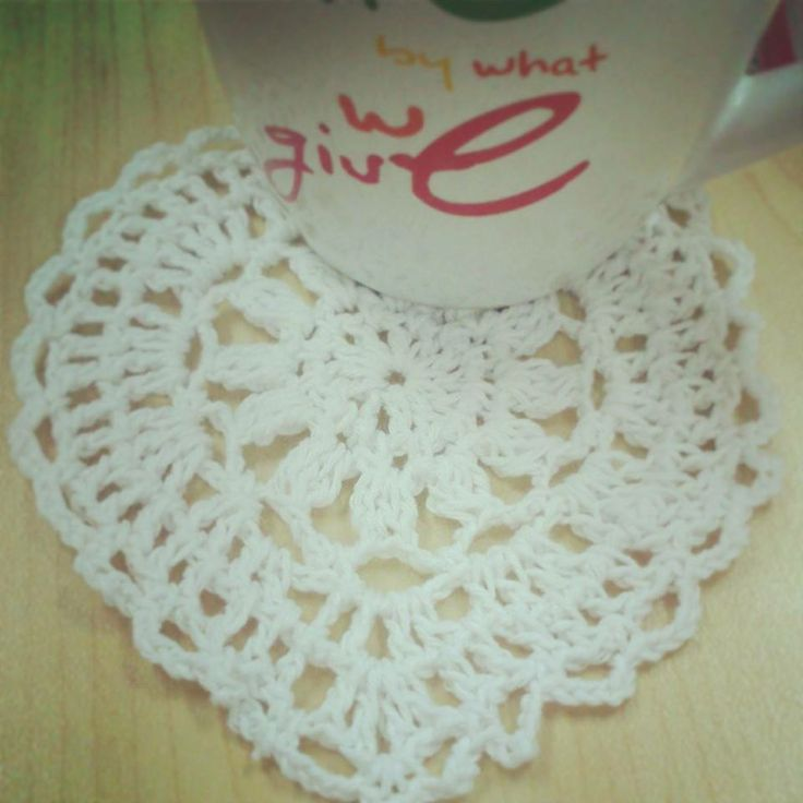 Handmade doily, suitable for household accessories.  Material : ICT Plain  [Facebook] Handmade Passion