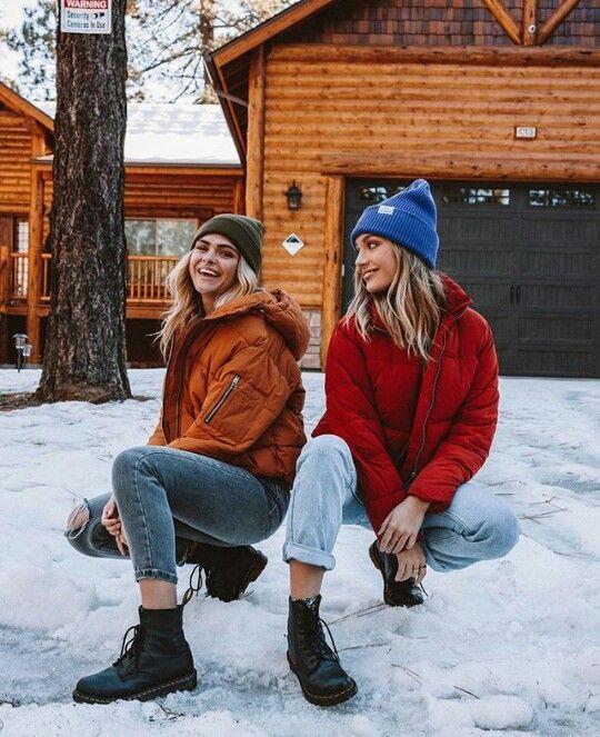 Идеи фотосессий для подруг зимой