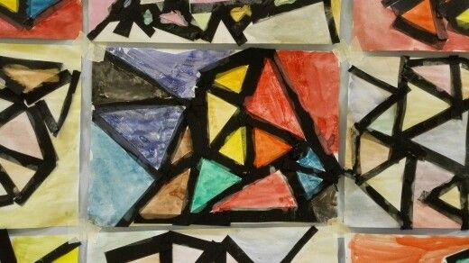Con le strisce nere costruiamo tanti triangoli!