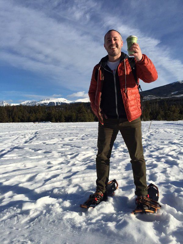 @dansgoodside shows us how it's done #snowshoeing #latte #myjasper @WickedCup