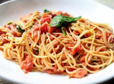 Soslu Spagetti Makarna Tarifi – Makarna Tarifleri