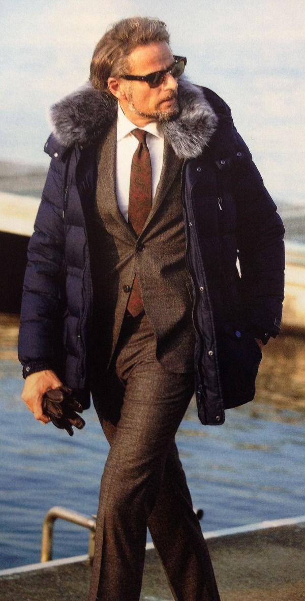 スーツに合わせたいダウンジャケット特集!合わせ方の基本から丁寧に解説!