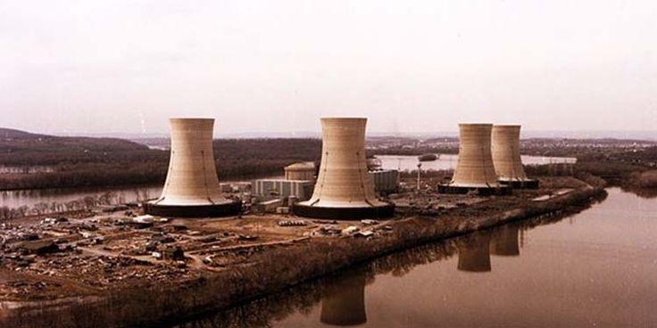 Il 28 marzo 1979, alla centrale nucleare di Three Mile Island, in Pennsylvania, avvenne un guasto alla pompa di raffreddamento, con conseguente rilascio di una quantità significativa di radiazioni. Questo sarà ricordato come il più grave incidente mai avvenuto in una centrale negli Stati Uniti, catalogato a livello 5.