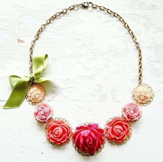 resin flower necklace