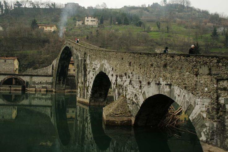 Borgo a Mozzano, Ponte del Diavolo #Lucca #Italy