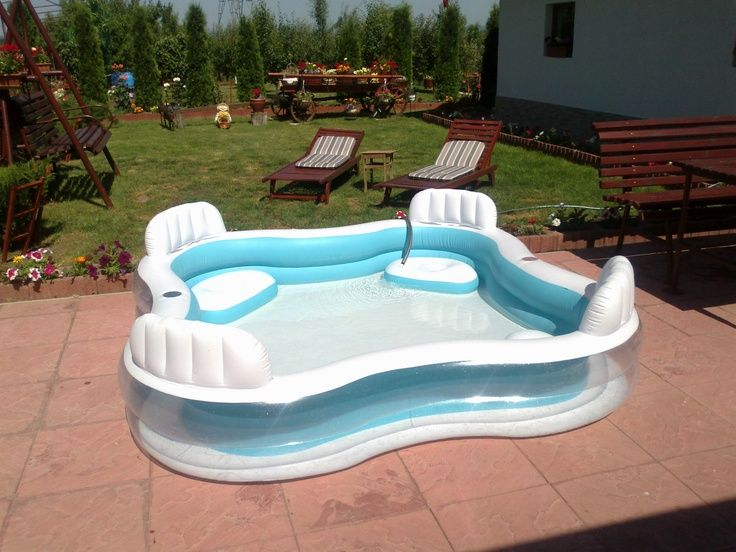 Adult kiddie pool. lmfao! Need to have this. Perfect for some summer drinks!