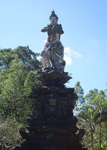 statue at tampak siring temple