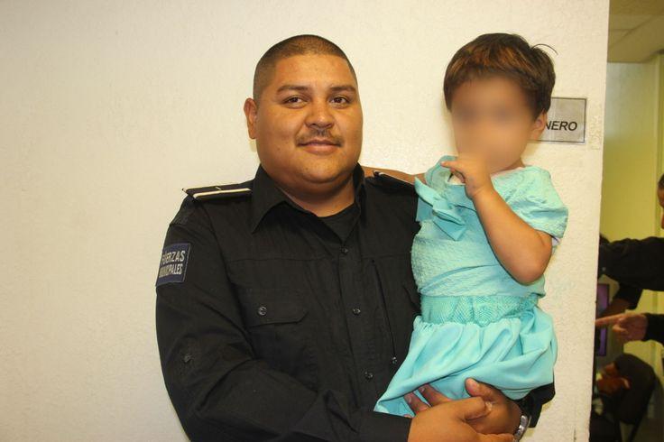 <p>Juárez, Chih.- La Secretaría de Seguridad Pública Municipal a través de su departamento de Trabajo Social, resguardó