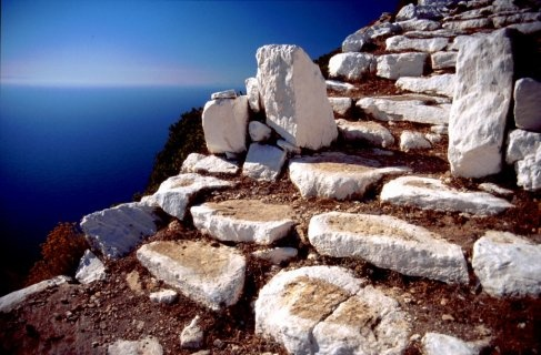 Blue and White. The quintessence of Greece in Sikinos Island.