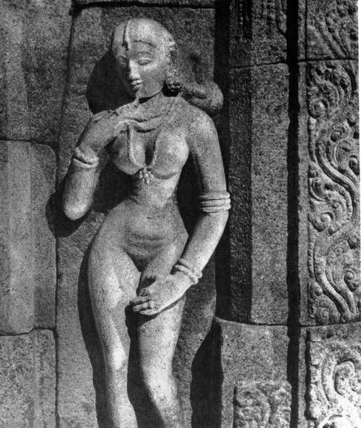 Female figure. Temple sculpture in Shrirangam. 12 century.