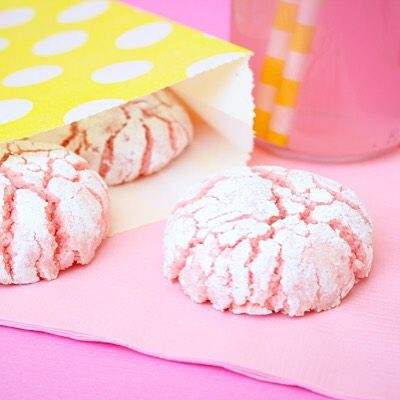 Pink lemonade crinkle cookies...don't think I forgot about you! Find these easy peasy summer treats on the blog under cookies!