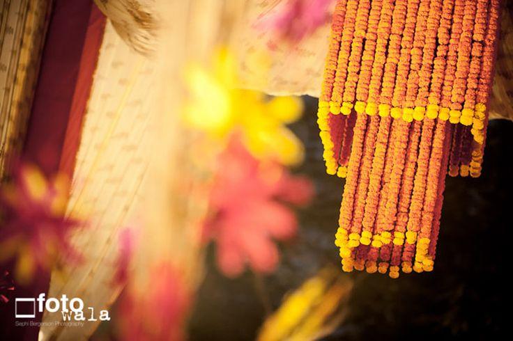 Marigold-Flower-Chandelier-at-a-Wedding.jpg (784×523)