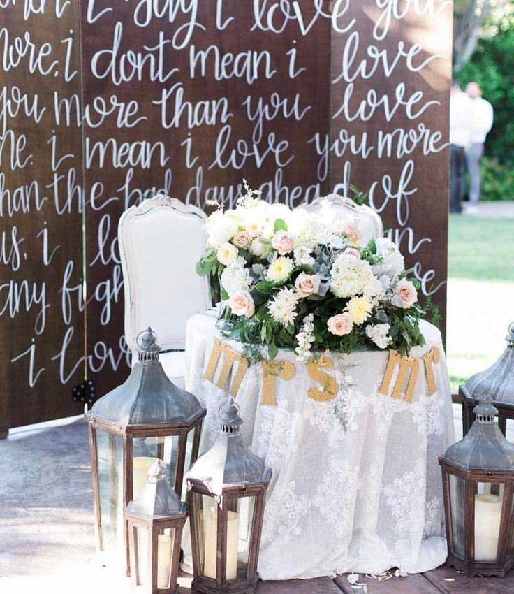 """2,136 Likes, 22 Comments - WeddingWire (@weddingwire) on Instagram: """"It's safe to say this sweetheart table setup is the definition of swoon-worthy!😍{Photo:…"""""""