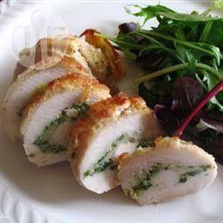 Foto recept: Kiprollade met pesto en mozzarella