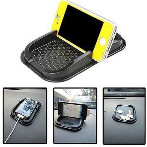 Going on a road trip these holidays? This car accessory is a LIFESAVER for Roadtrips and long journeys.