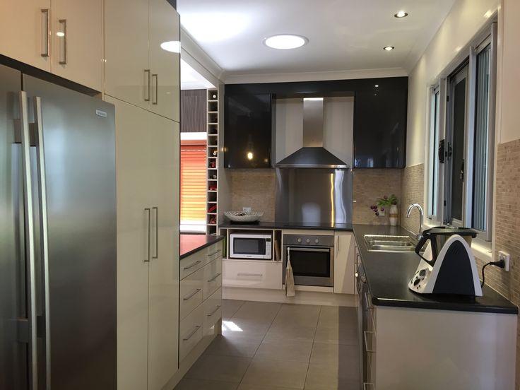 Great family & entertainment kitchen  #Greatkitchens #Forsale #EvertonPark #MHRE