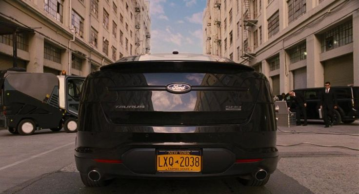 Men in Black 3 FORD 2010 TAURUS SHO #WillSmith #AgentJ #ProductPlacement