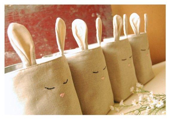 Bolsas de conejo para la habitación de tu niña. Guarda ropa, accesorios o juguetes.