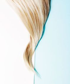 Hand Pressed Hair Color Technique Glass | Colorist Chiala Marvici's new hand-pressed hair-color technique involves a slab of plexiglass. #refinery29 http://www.refinery29.com/2015/09/94076/hand-pressed-hair-color-technique-glass
