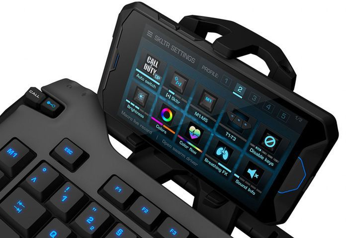 Roccat Skeltr Gaming Keyboard with Smartphone Integration