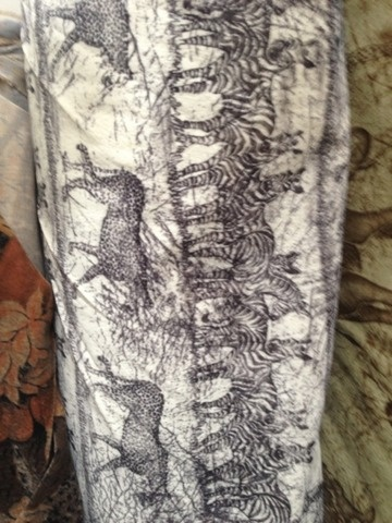 Plus Tapiterie.Stofa tapiterie mobilier clasic-baroc .Stofe tapiterie mobila colectia clasic contemporan import Italia,Spania.Stofa tapiterie scaune baroc.Stofe tapiterie paturi si canapele.Dimensiuni stofa tapiterie clasic 140cm. Specificati in cererea de oferta categoria si nr.imaginii.Ex.Stofa tapiterie clasic , poza nr.5 . Livram in orasul tau, la tine acasa !