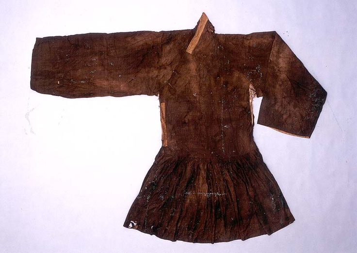 """A silk military officer's coat, pleated at the waist (cheollik) from the """"tomb of Go Un (1479-1530), a leading figure representing the Neo-Confucian literati based in the Honam (Jeolla) region during the mid-Joseon Dynasty.... Made of cotton, ramie and silk, the clothes appear to have been worn by Go Un while he was alive."""" Important Folklore Cultural Heritage 239."""