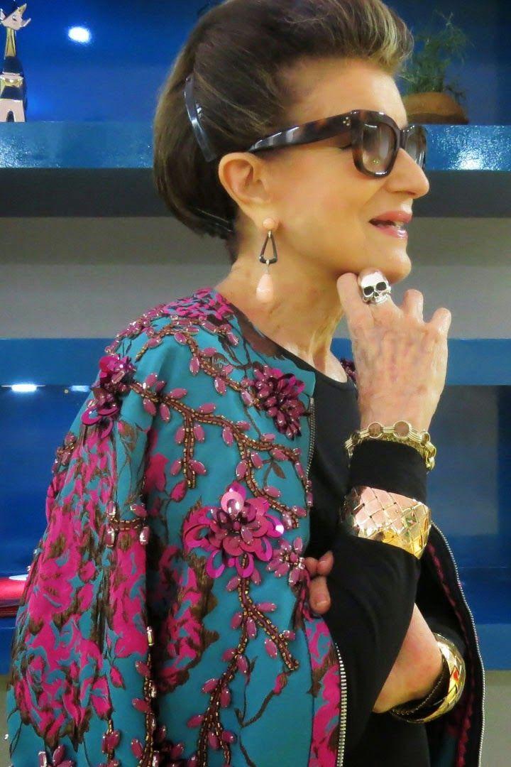 Ainda dá tempo de falar de São Paulo Fashion Week? No meio de tanta correria que foi a SPFW e os preparativos para viajar pra Nova Zelândia, acabei demorando um pouquinho pra postar as fotos com a aquela que é um dos maiores ícones da moda brasileira, Costanza Pascolato. Sabe, …