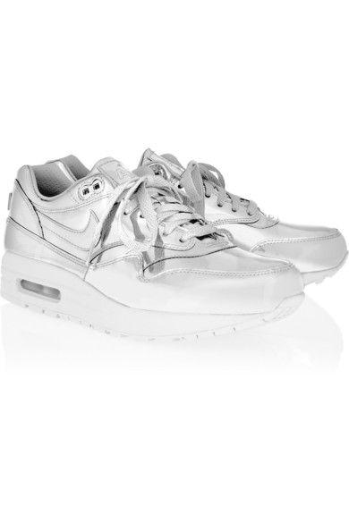 Onların rahatlığı için güzel ve dikkat çeken harika spor ayakkabıları hediye edin! #maximumkart #AnnelerGünü #hediye