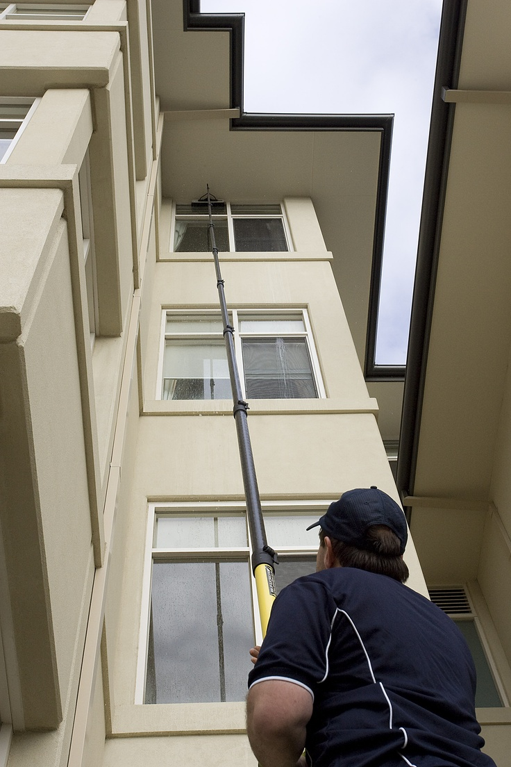 Melbourne Window Cleaners.  www.hirange.com.au