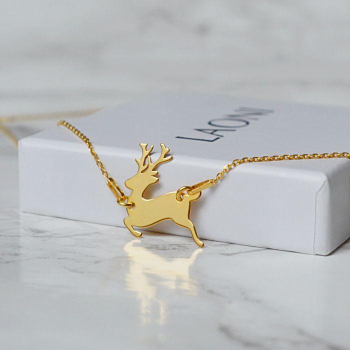 Bransoletka z jelonkiem. Zobacz na: https://laoni.pl/zlota-bransoletka-z-jelonkiem #biżuteria #prezent #jelonek #renifer #zima