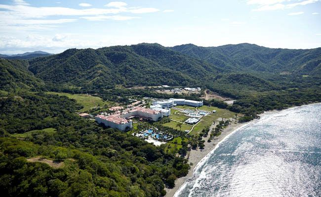 The brand new Hotel Riu Guanacaste, a 5 star complex (All inclusive 24h), is located on the banks of the Matapalo Beach in Guanacaste, Costa Rica. Hotel Riu Guanacaste - Hotel in Guanacaste, Costa Rica - RIU Hotels & Resorts