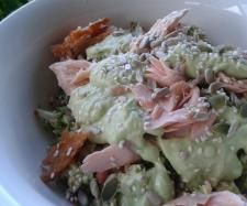 Recipe RAW BROCCOLI SALAD TOSSED WITH SMOKED SALMON, BLACK OLIVES AND CREAMY AVOCADO DRESSING by wholesomewahine - Recipe of category Main dishes - fish
