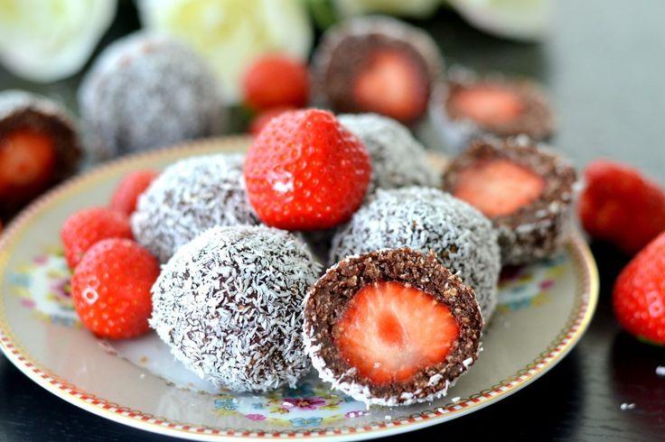 Chokladbollar med jordgubbsgömma | Hannas Bageri
