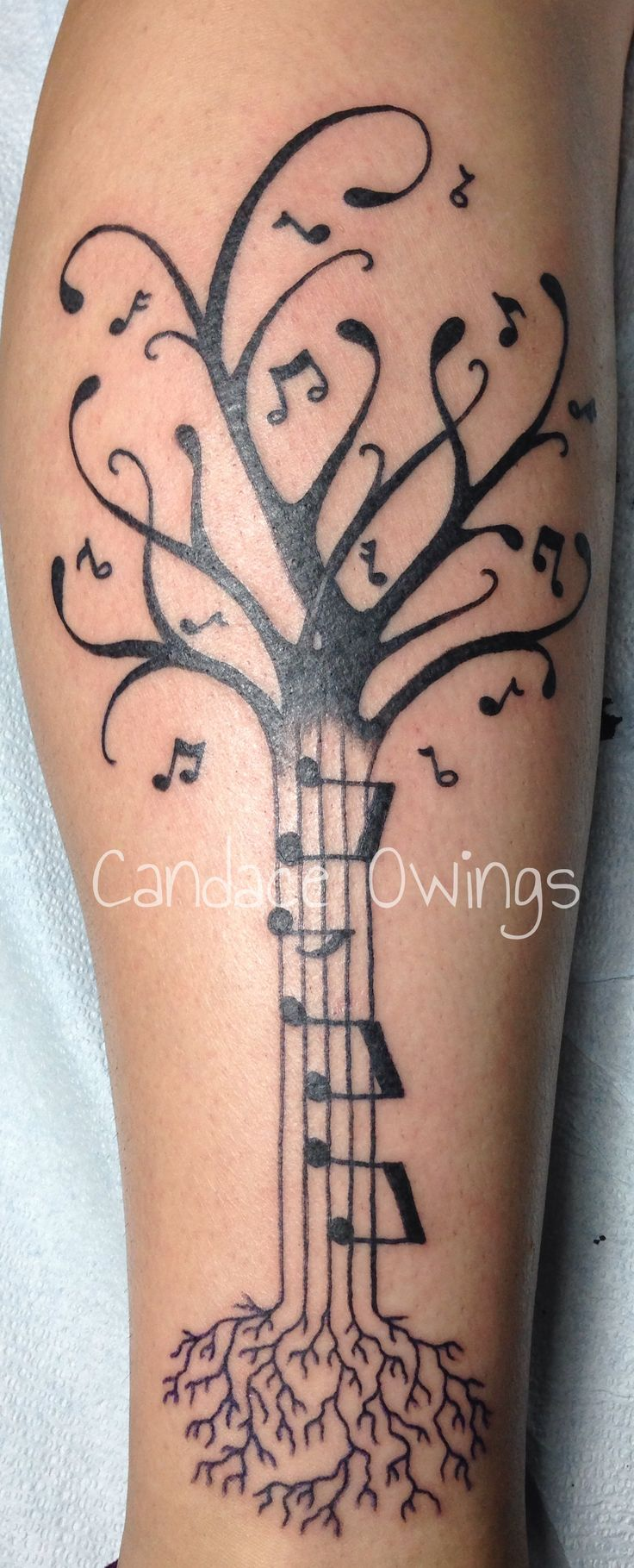 Really fun tattoo I did of a music tree with music notes for leaves and the trunk, on the side of a calf. Still one of my favorite pieces so far :)