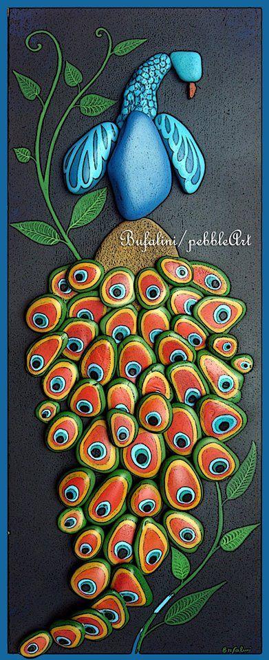 painted stone peacock | Michela Bufalini | SassiArtistici