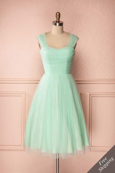 Le monde tout entier est une fête lorsqu'une robe telle que celle-ci est vôtre.